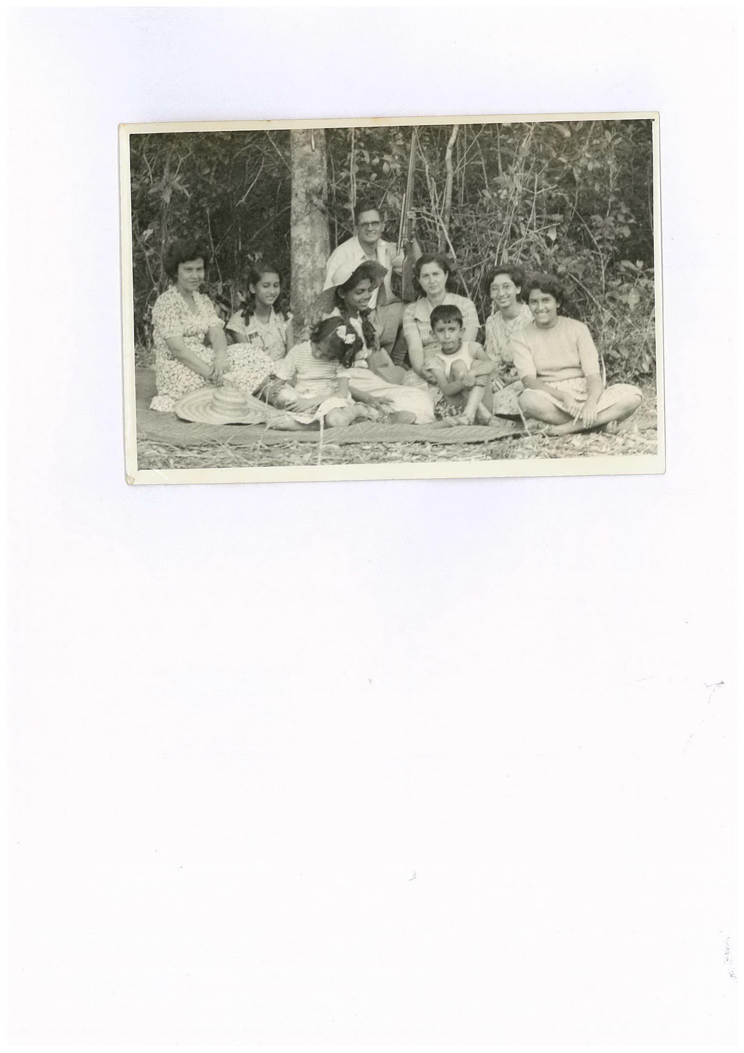 Cameron siblings having a picnic in sri lanka.jpg